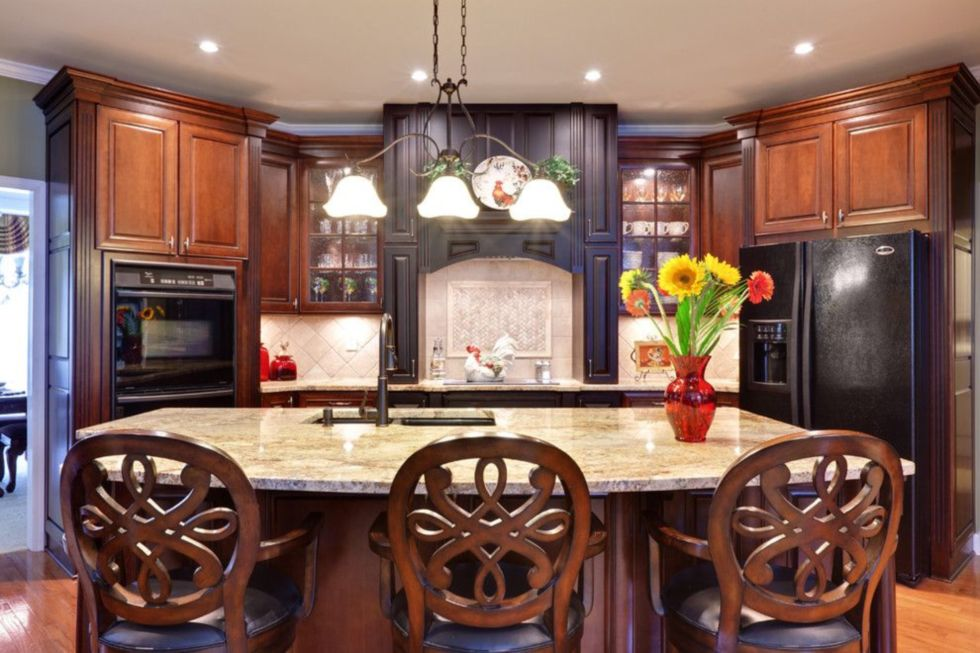 kitchens with black appliances ideas