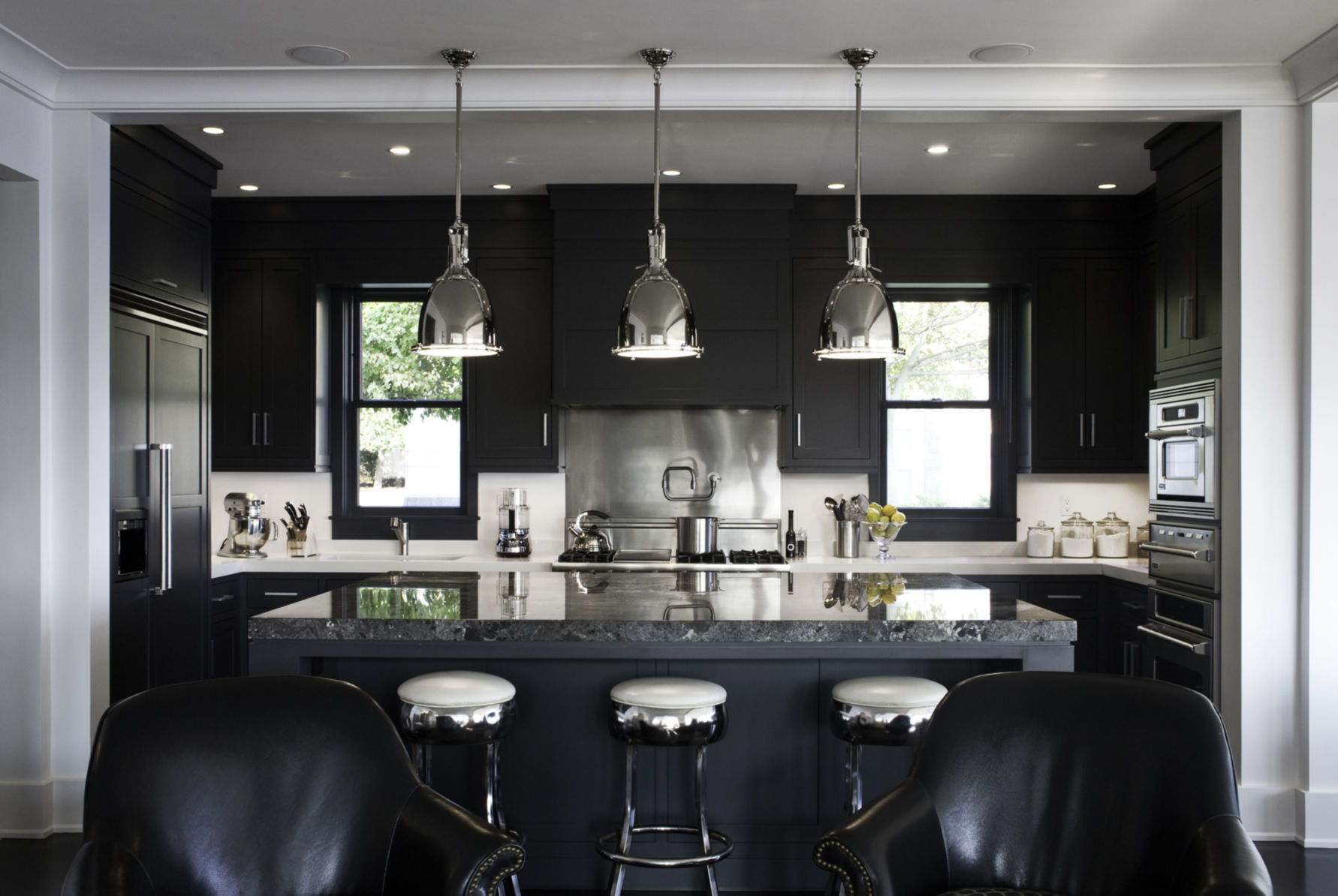 10 Kitchens With Black Appliances In Trending Design
