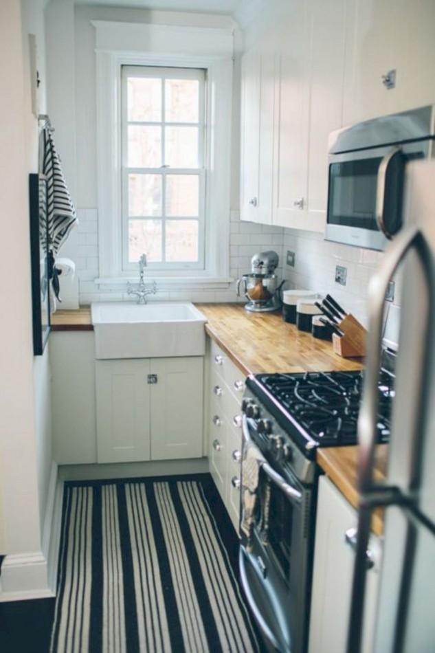 Amazing Small Kitchen Renovation Ideas 14