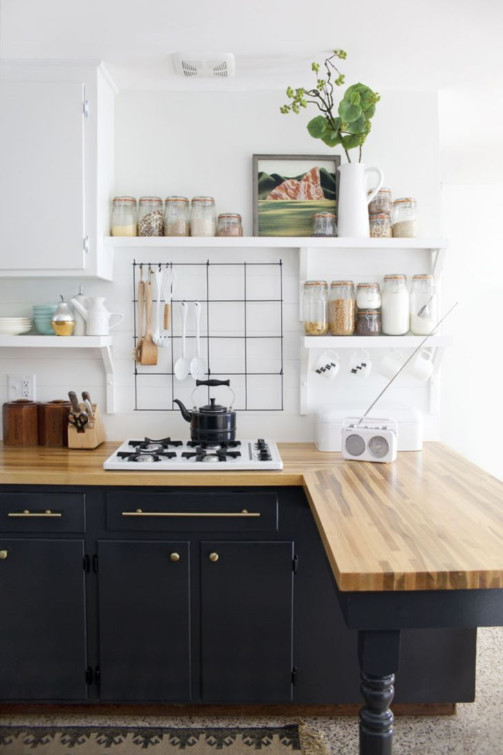 Amazing Small Kitchen Renovation Ideas 19