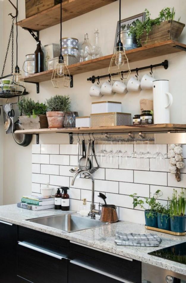 Amazing Small Kitchen Renovation Ideas 19